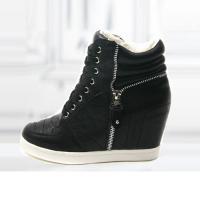 Baskets Femme montantes cuir unies chic elegantes semelles compensees Noires Zippees