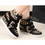 Basket Femme montantes compensees Fashion bandes scratchees Leopard Noir