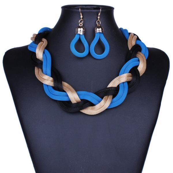 Parure Collier Boucles d Oreilles Corde tressee Multicolore Plastron Bleu
