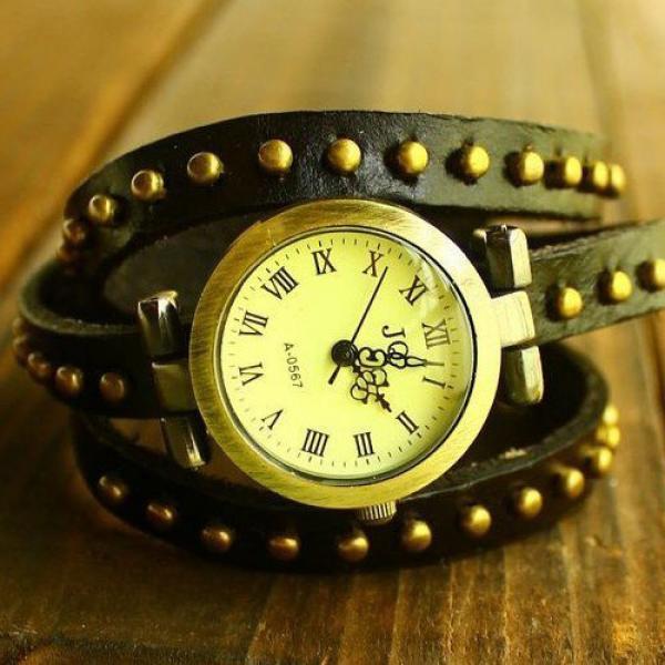 Montre Femme en cuir veritable studded fashion enroulee facon bracelet Noir