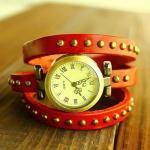 Montre Femme en cuir veritable studded fashion enroulee facon bracelet Rouge